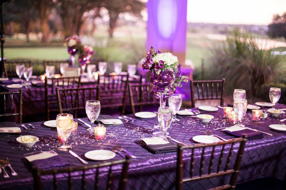 red tail golf club - orlando wedding dj - purple wedding table