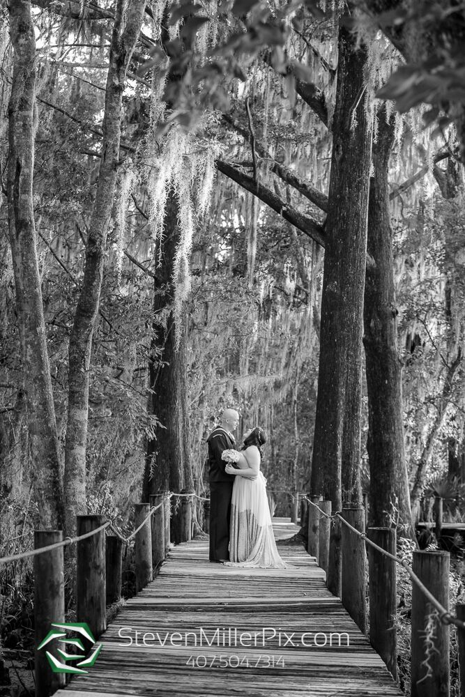 steven miller photography Outdoor Wedding photo. Bride and groom. Black and white wedding photo.