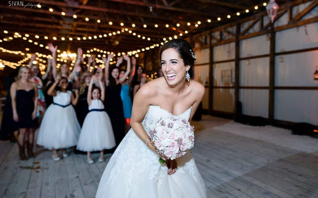 11 Theme Songs For The Bouquet Toss Orlando Wedding DJ Music Inspiration