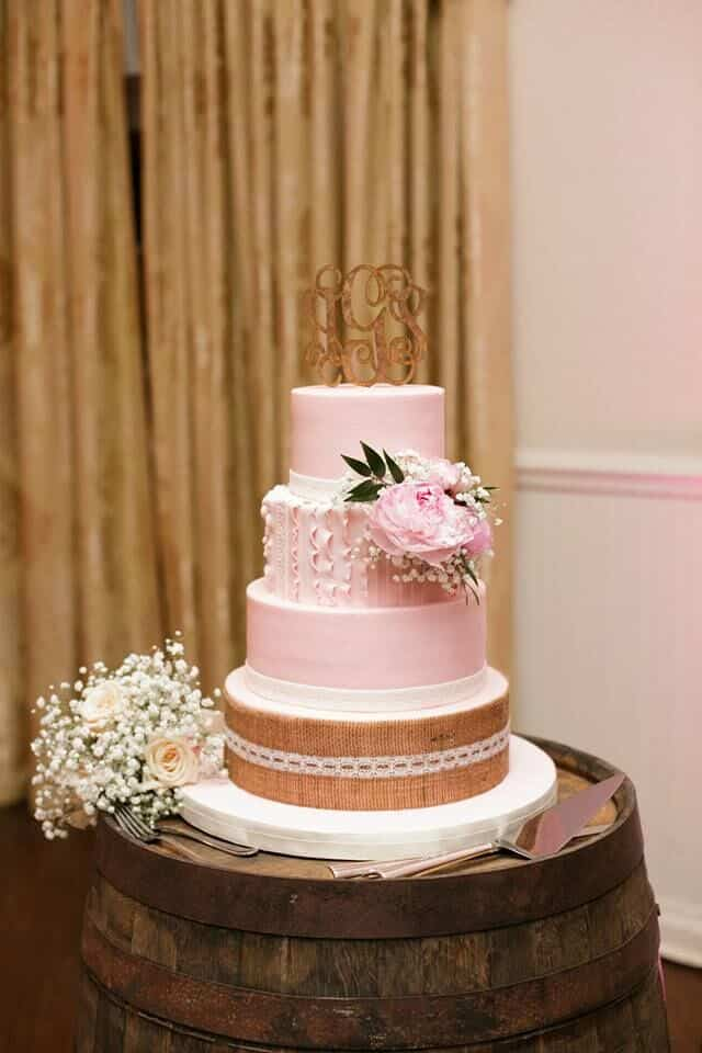 orlando wedding - Highland Manor pink wedding cake with cake topper