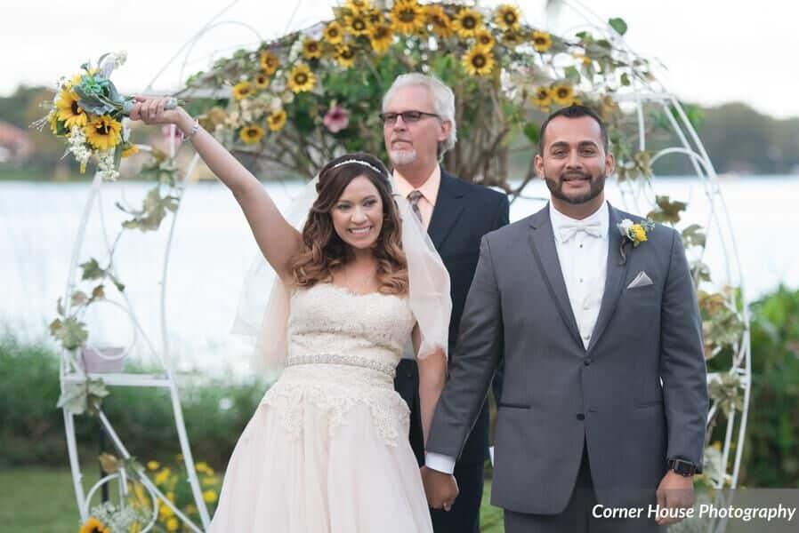 Orlando Wedding DJ at Capen House at the Polasek – Light Blue Uplighting