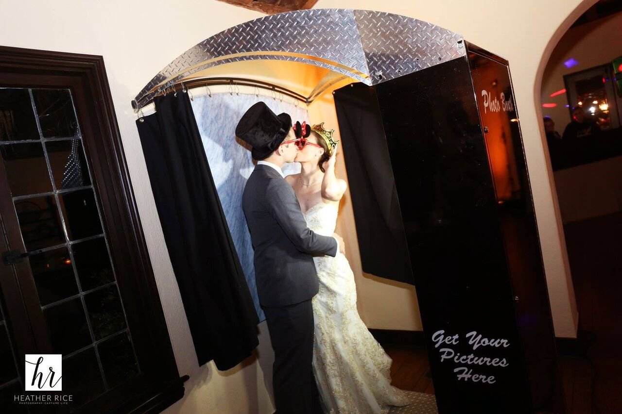 Elegant orlando wedding at Casa Feliz with photo booth provided by Photo Booth Rocks