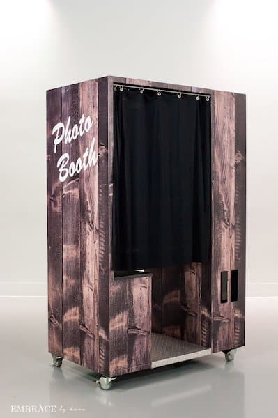 Wood Classic Booth Style