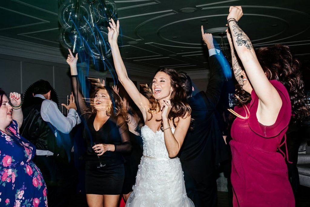 dance floor arms up