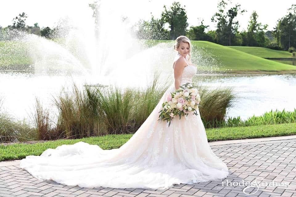stunning bride at waldorf astoria
